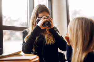 Best-Cameras-For-Moms